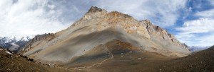 rui-la-border,-from-left-Nepal-to-Right-Tibet